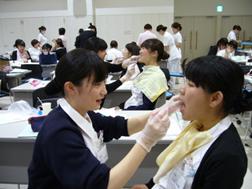 大森赤十字病院の新人看護師研修風景