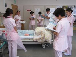 津久井赤十字病院の新人看護師研修風景